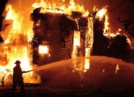 Versicherung bei Feuerschaden: Das müssen Sie beachten