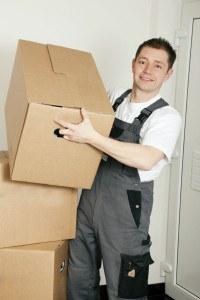 Möbelpacker bei der Arbeit