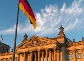 Merkels Flüchtlingspolitik: Wachsende Kritik in CDU und CSU