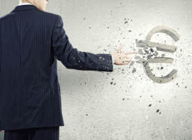 Stromkosten und Versicherungskosten: Wann ein Anbieterwechsel Sinn macht