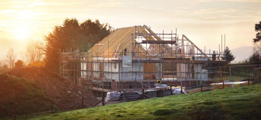 Wie Sie beim Hausbau Geld sparen