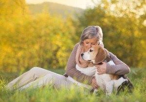 Witwe mit Hund