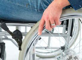 Kranke und Alte werden von Krankenkassen benachteiligt